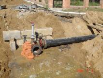 Произведена опрессовка первого участка полиэтиленового водовода
